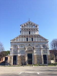 ピサの名前の長い教会