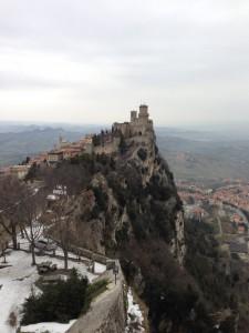 サンマリノ 第二の城から見た第一の城