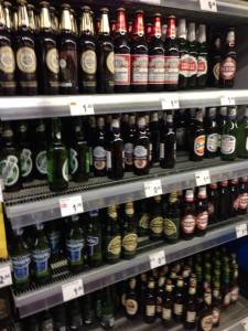 スーパーのビール売り場
