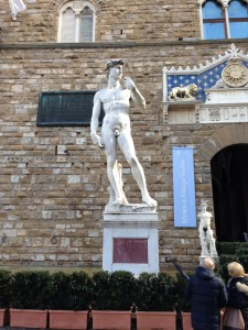 ダビデ像のレプリカ